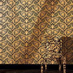 Extravagance des motifs dorés baroques mis en valeur par un noir profond majestueux.  Une décoration féminine et sensuelle à l'image de la marque...  Votre décoration se pare de ses plus beaux atours avec nos collections luxe. Intemporelles, originales et somptueuses, elles se déclinent en papiers peints, peinture, rideaux et décors numériques qui illuminent et enjolivent murs et fenêtres.