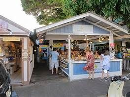 Shopping on Front Street Lahaina Maui
