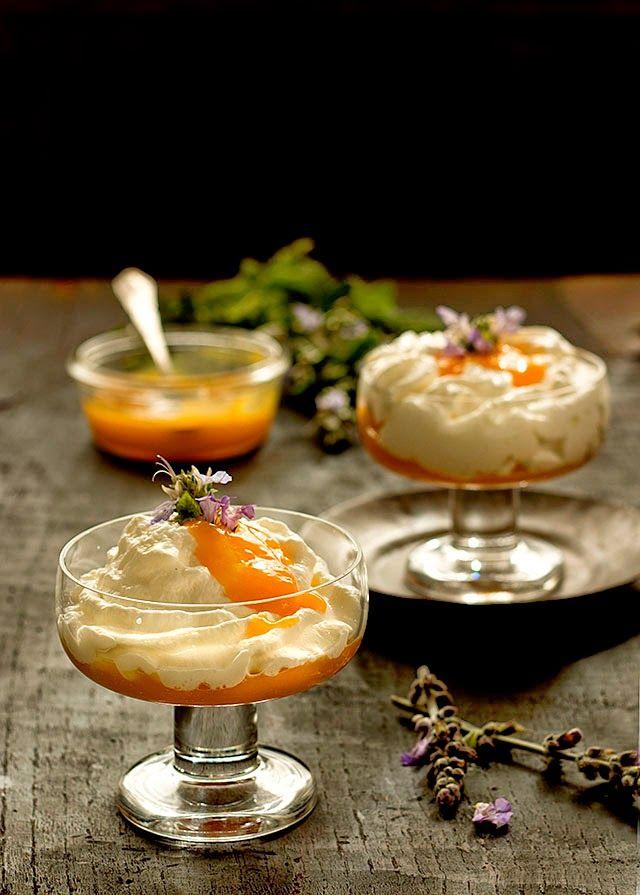 ESPUMA DE YOGURT GRIEGO Y COULIS DE MANGO - Greek Yogurt Foam with Mango Coulis