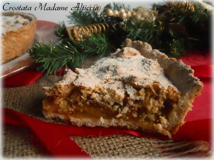 Crostata Madame Alticcia Il successo della crostata Madame Alticcia è certamente il ripieno fondente, al sapore di mandorle, d