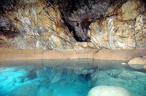 Σπήλαιο Λημνών