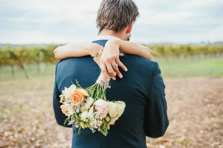 Samantha & Trent with bouquet, flowers by Scentiment Flowers, photography by Bianca Kate Photography