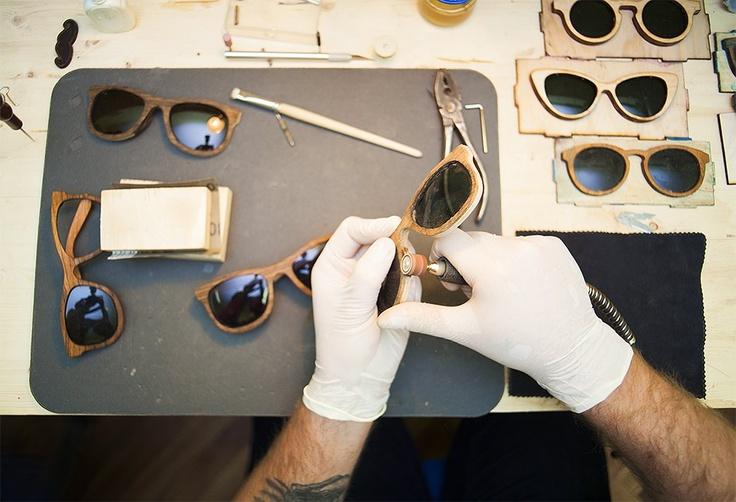 Деревянное и стеклянное: Почему солнечные очки Woodeez продаются даже зимой — Hopes & Fears — Hopes and fears — поток «Свое место»