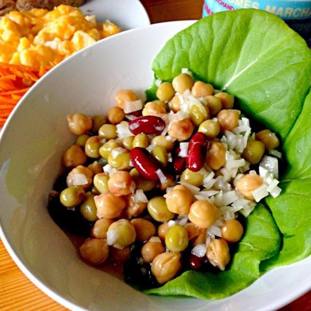 サラダ油は万病の元。レシピはDE-OILブログをご覧下さい。 http://deoil.blog.fc2.com/ - 5件のもぐもぐ - ひよこ豆と金時豆のサラダ by Yoko Hayashi