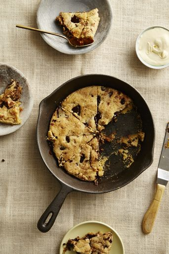 Giant chocolate chip skillet cookie from One-Pot Wonders recipe book by I Quit Sugar - just $12.99 I'm trying to pin it to win it!  Click this image to guarantee your spot in the next 8 week program!