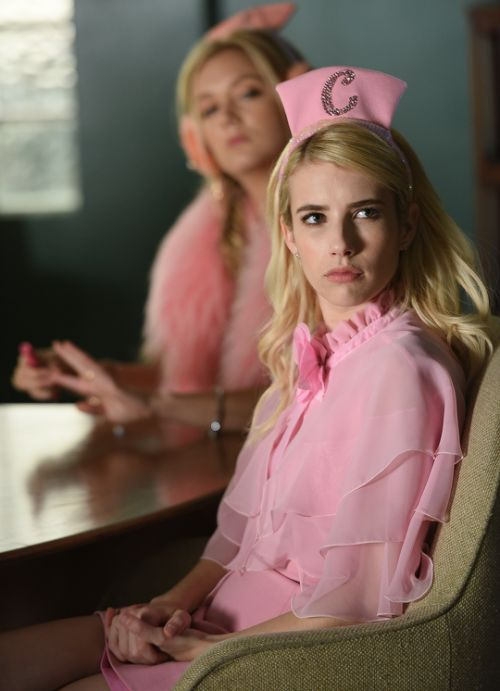 "Emma Roberts as Chanel Oberlin in Scream Queens Season 2 Episode 2 ""Warts and All"". #sq"