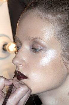 The Definitive Guide to Where and How to Apply Highlighter