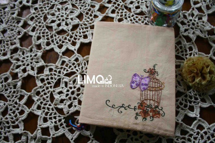 Butterfly | 35K | bahan : kain belacu | check this limo-made.blogspot.com #handmade #coverbinder #sampulbinder #limitededition #semarang #indonesia #limomade