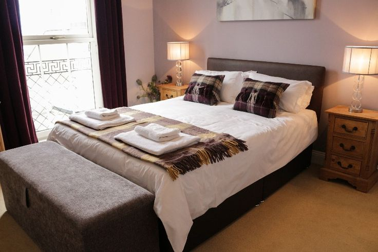 We have over 30 unique self catering apartments with private parking in various locations in Edinburgh city centre. You'll have your own parking space...
