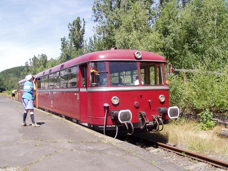 Ein schöner alter Schienenbus der Eifel-Quer-Bahn