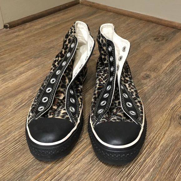 Leopard Converse Leopard Ladies Converse Trimmed in Black Leather Sz9 the Leopard Faux Fur Without Laces Used Converse Shoes Sneakers