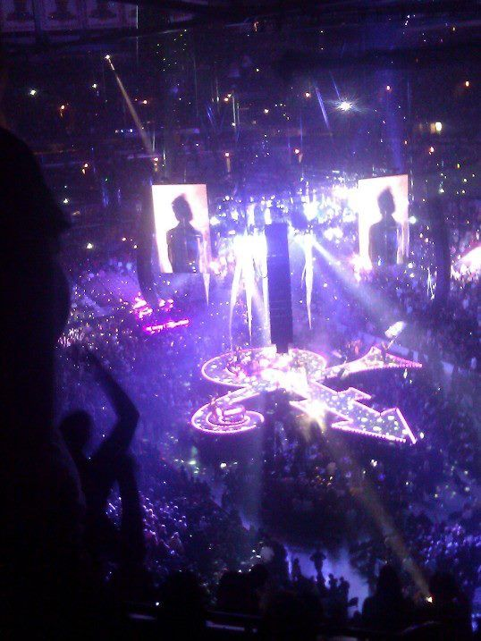 Prince Purple Rain | Prince Welcome 2 Chicago, Opening Night. Almost Purple Rain Perfection ...