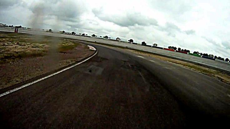 Race Bajaj Pulsar 200 ns