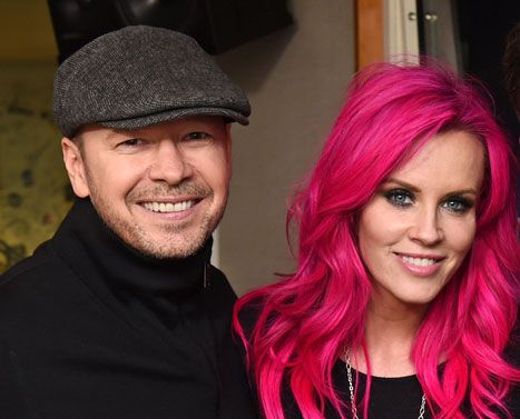 Jenny McCarthy & Donnie Wahlberg. Mermaid hair envy!!! Love the Magenta color trend, this is going to be one day if I'm brave enough! (;