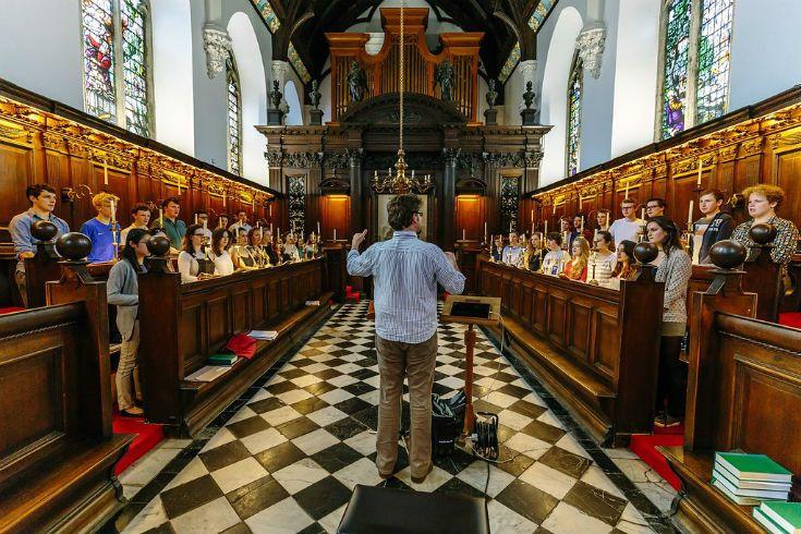 Univ choir in the chapel.