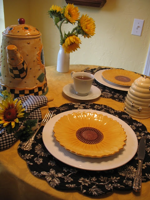 Miss Bloomers: Sunflower Tea Table  My favorite sunflower plates are   from Pier One
