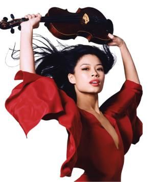 Leyenda Vanessa Mae brings a fresh take on classical music with her blend of contemporary music plus traditional classical sound.