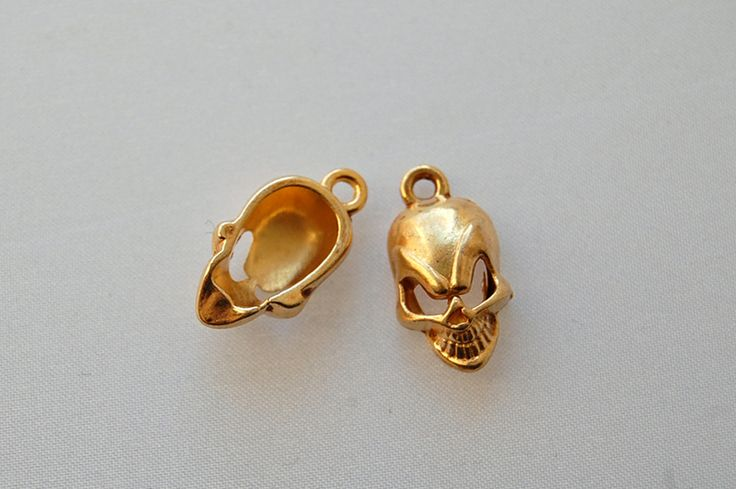 Other – 1 x human skull gold plated charm – a unique product by thesecretgarden on DaWanda