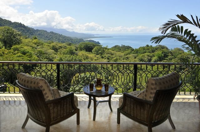 Incredible 1/2 price offer at $572 per night for the Pre-Holiday season, valid until Dec 18. Overlooking the entire Ballena Marine National Park near Dominical. View more photos of this 5-bedroom Luxury Jungle Home with Pacific Ocean and Rain Forest Panorama on http://costaricabedfinder.com/vacation-rental/712