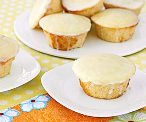 Lemon+Tea+Cakes: Denser Texture, Tea Cakes, Lemon Icing, Lemony Cupcakes, Cream Cheeses, Dessert, Picnic Baskets, Lemon Tea