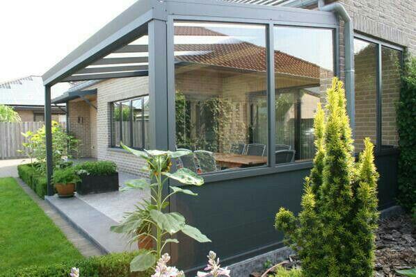 Aluminium veranda met zijwand en glas genieten op je eigen terras - Aluminium pergola met schuifdeksel ...