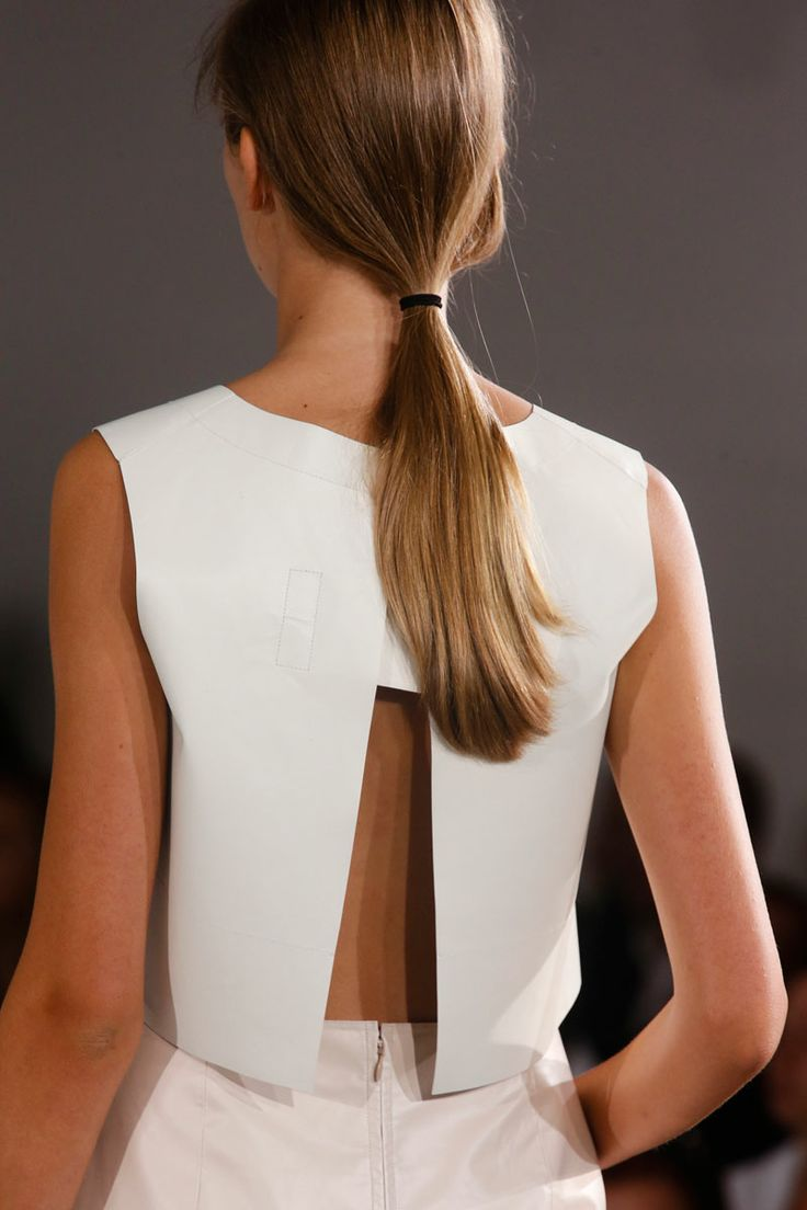 Jil Sander Spring 2014 RTW - Details - Fashion Week - Runway, Fashion Shows and Collections - Vogue