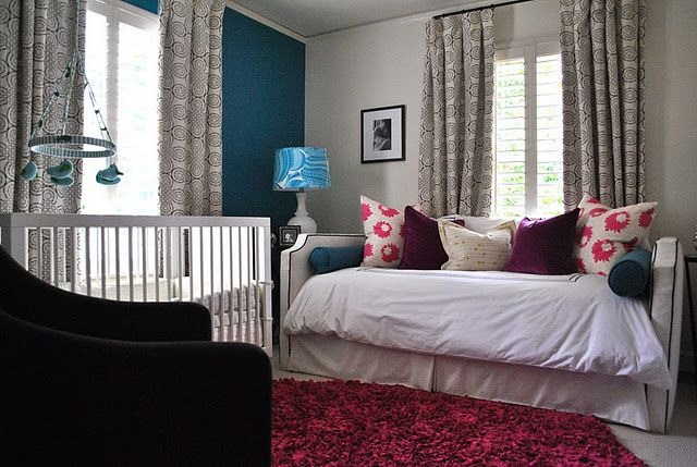 The 25+ best Daybed pillow arrangement ideas on Pinterest Daybed pillows, Daybed couch and ...