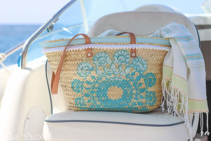 wicker bag with motif added in Pinty Plus turquoise