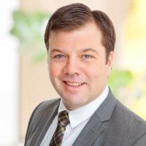 Jörgen Petersson  Reg. Fastighetsmäklare  08-400 213 42 · 0709-99 79 44  jorgen.petersson@notar.se