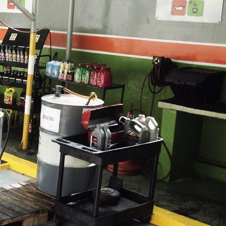 El mantenimiento de tu auto es vital! El es tu patrimonio y debe ser cuidado por los expertos  Acércate a #Lubriclean por una revisión express para comprobar la fiabilidad del carro.  Panorama Completo  1/3  #lubriclean #cars #automotivedaily #l4l #mechanics #mecanica #carwash #maracaibo #venezuela #oil #followback #cauchos #autolavado #lubricantes