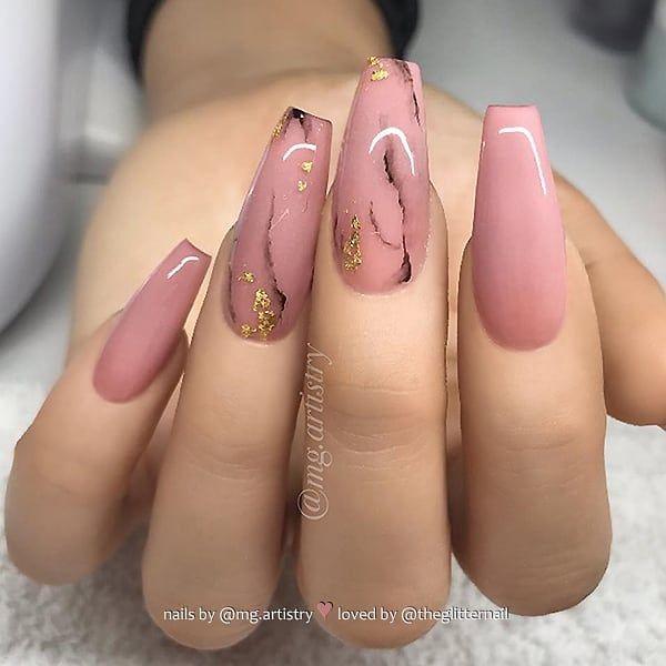 ✨ Rose-Nude com efeito de mármore em longas unhas de caixão 👌 • 💅 Nail Artis