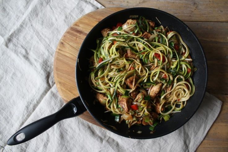 Snelle Simpele Smaakvolle Bami | Oanh's Kitchen