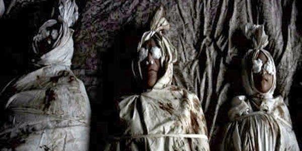 Gambar Pocong Di Kuburan Gambar Pocong Gambar Hantu Asli Paling Seram Terseram Di Jawa Download Konon Foto Foto Penampakan Pocon Di 2020 Gambar Hantu Gambar Ghost