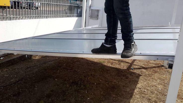 Resitencia perfil Aluminio 5511 - Uma  pessoa caminhando sobre perfil