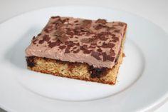 Mit dem Rezept für einen Stricknadel-Kuchen haben nicht nur passionierte Strickerinnen ihre Freude, der Kuchen schmeckt auch bestimmt handwerklich Unbegabten sehr gut.