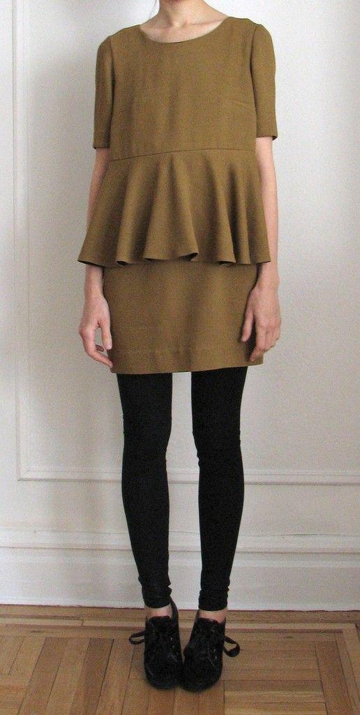 love the dress #gold