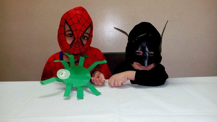 العاب ورقية للاطفال طريقة عمل شكل العنكبوت افكار منزلية للاطفال اشكا Christmas Ornaments Novelty Christmas Holiday Decor