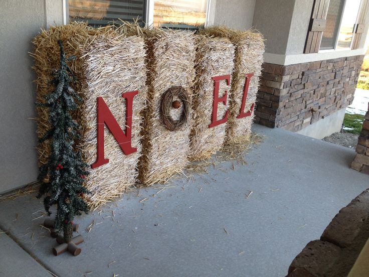 Reuse your bails of hay from thanksgiving #christmasporch #noel #holidays