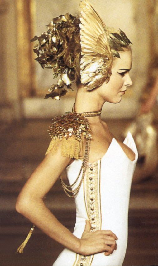 The cut of the corset and the flamboyant accessories say Margaery Tyrell. Alexander McQueen for Givenchy