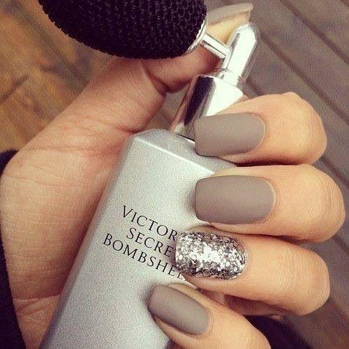 Nails black beige silver