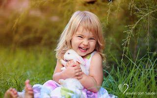""""""" Esse é o segredo simples da felicidade.     Faça o que fizer, não deixe que o passado atrapalhe o caminho, não deixe que o futu..."""
