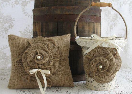 manualidades con arpillera, crochet y puntillas