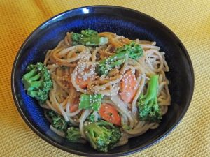 ... Natural Foods Market : Soba Noodles with Broccoli and Peanut Sauce
