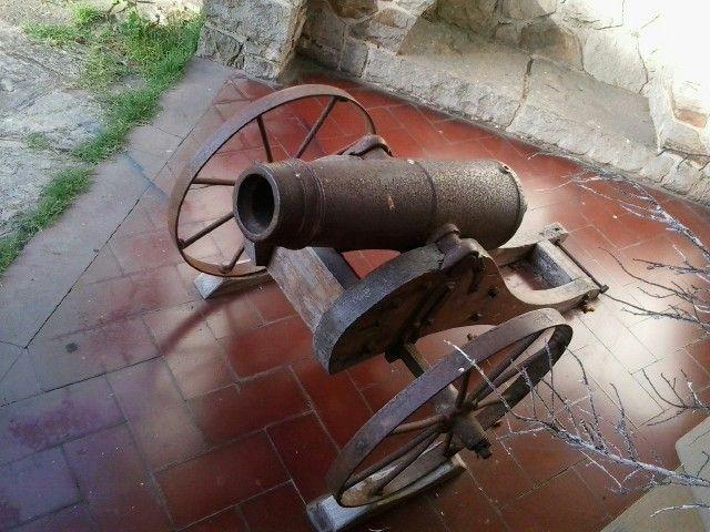 Pieza de artillería en Villa Mitre - Mar del plata