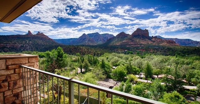 Orchards Inn Sedona is an Uptown Sedona hotel that boasts panoramic red rock views from every room and is close to shopping, galleries and restaurants.