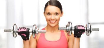 Упражнения для груди с гантелями для женщин и мужчин