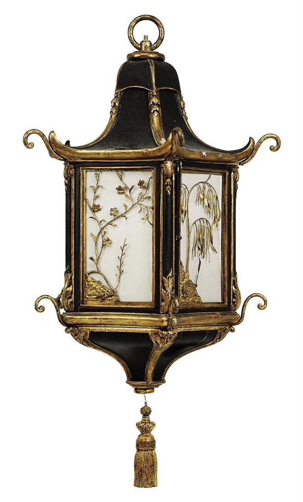 *A CHINOISERIE GILT AND BLACK-PAINTED LANTERN LATE 19TH/EARLY 20TH CENTURY