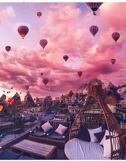 Cappadoce, Turquie  Identifie une personne avec qui tu aimerais être ici