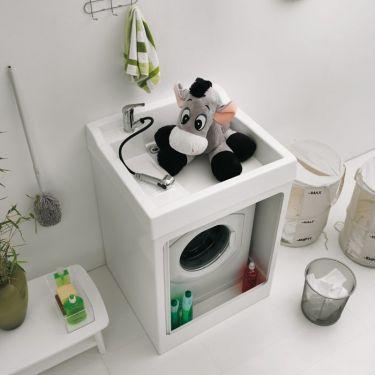Una sola parola. Utilissimo ed apprezzatissimo. Mobile per contenere la lavatrice ma con un piano lavaggio superiore, se poi ci abbini un miscelatore con doccetta estraibile lo potete utilizzare per tutto.