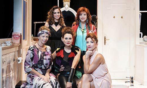 """Cinquew News: """"Il bagno"""" di Astrid Veillon. Commedia francese co..."""